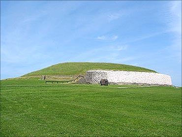 Newgrange Donore.