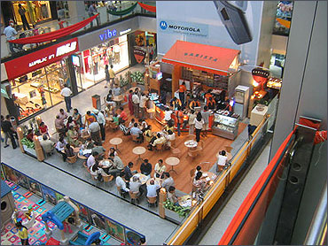 Indian consumer confidence declines in Q2
