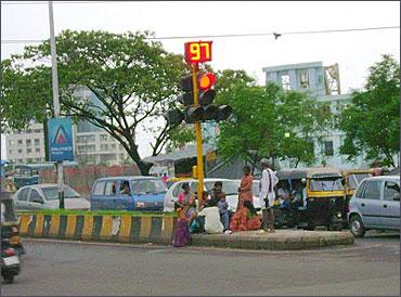Fewer Roads Less Traffic >> How Mumbai is solving its traffic woes - Rediff.com Business