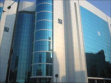 Sebi issues money laundering warning for 10 nations