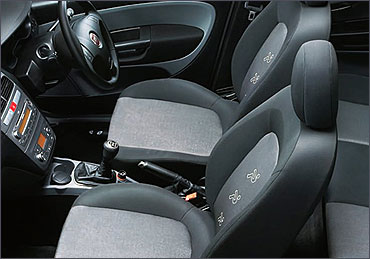 Front seats of Fiat punto diesel.