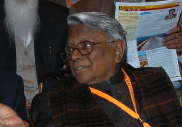 Jaiprakash Gaur 's wealth fell.