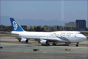 Air New Zealand 747-400 at LAX.