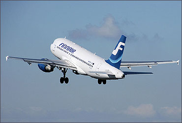 Airbus A319-100 taking off.