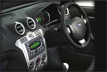 Dashboard of Ford Fiesta Classic.