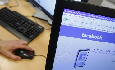 Govt mulls using FB, Twitter to know public views on decision
