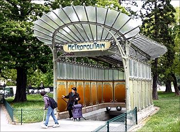 Porte Dauphine station.