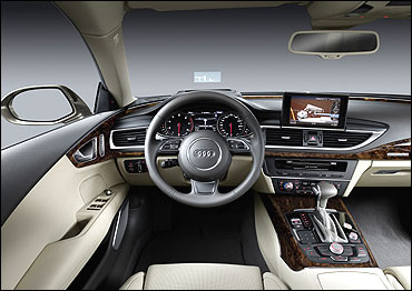The dashboard of A7.