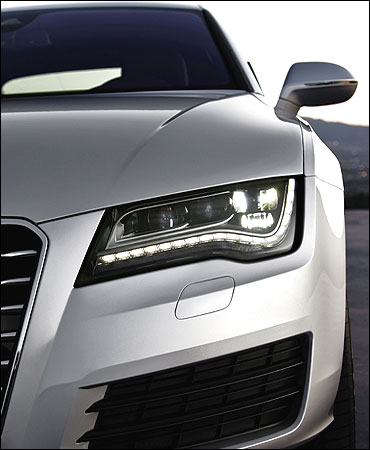 Front headlamp of A7.