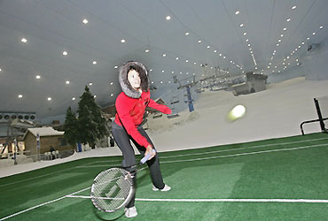 Maria Sharapova  played with Lindsay Davenport during a promotion tour inside Ski Dubai resort.