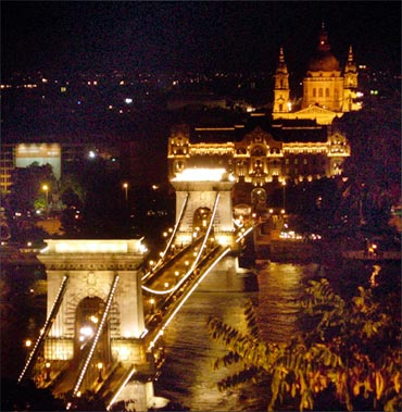Szechenyi Chain Bridge.