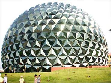 Infosys beat bigger domestic rival, TCS.