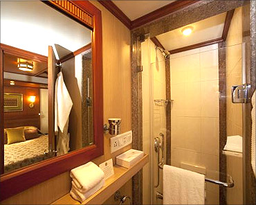 Bathroom in the Maharajas' Express.