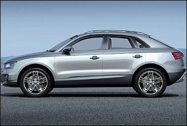Side view of Audi Q3.