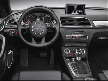 Dashboard of Audi Q3.