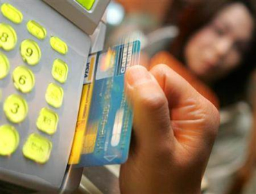 Why multi-currency cards are better than credit cards
