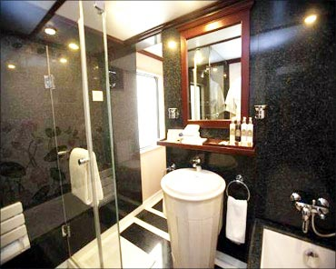 A bathroom in the Maharaja Express.