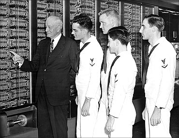 IBM presented its first large-scale calculator, the ASCC, to Harvard University.