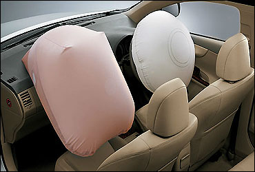 Dual SRS airbags.