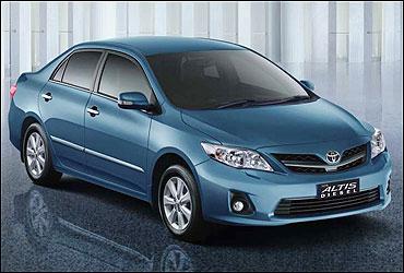 Toyota Altis diesel.