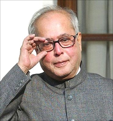 Pranab Mukherjee expects 9 per cent growth