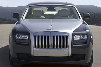 Rolls Royce Aims To Sell 100 Cars In India This Yr Rediff Com Business
