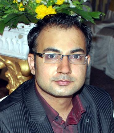 Mayur M. Sadawana.