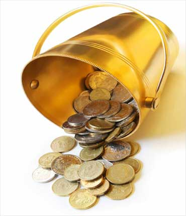 How best to manage your money: 4 GOLDEN tips