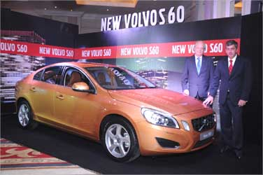 Goran Larsson, president, Volvo Cars Malaysia and Paul de Voijs, MD, Volvo India with Volvo S60.