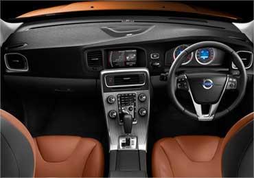 Volvo S60 steering wheel picture.