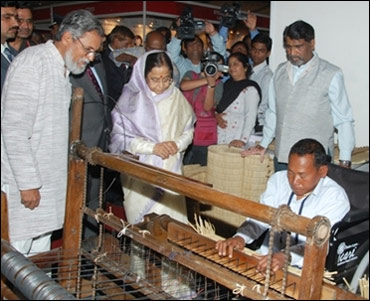 President Pratibha Patil meets innovators.