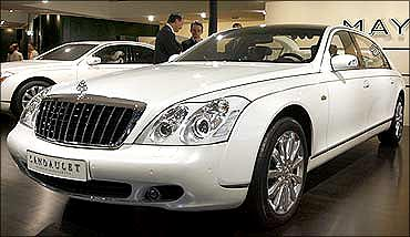 Maybach Landaulet is the choice of high and mighty.