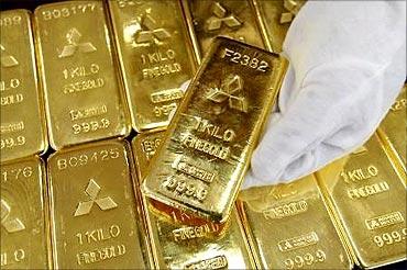 Indian culture inspires gold je