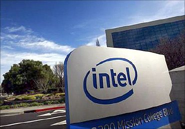 I tipped Rajaratnam, says ex-Intel executive Rajiv Goel