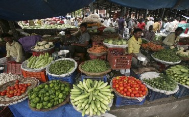 Food inflation goes up to 9.01%