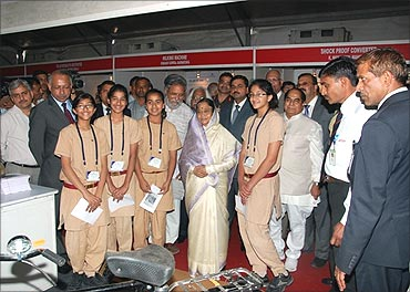 Students with President Pratibha Patil at the NIF exhibition.