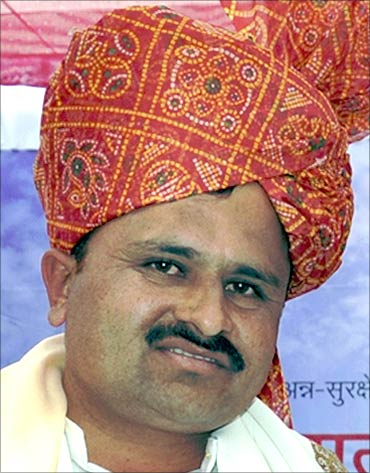 Hemchandra Dagaji Patil.