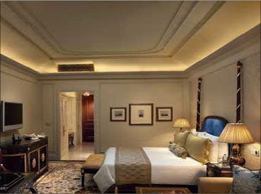 The royal club room at Leela Kempinski New Delhi.