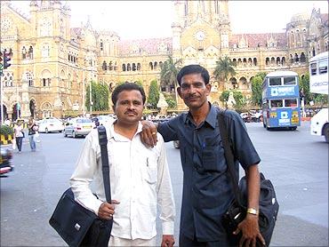 Hemchandra Dagaji Patil (L) with Rajendra Hari Patil (R).