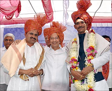 Hemachandra (L) with Bhavarlal H Jain, founder, Jain Irrigation, Rajendra (R).
