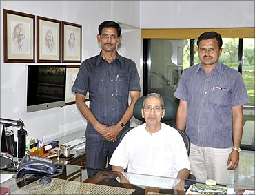 Rajendra Patil (L) and Hemachandra Patil (R) with Bhavarlal H Jain, founder, Jain Irrigation.