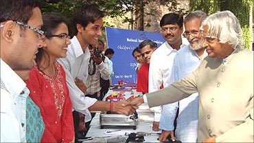 Former president Kalam with students.