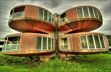 The Ufo House.