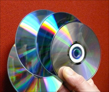 US wants India to combat optical disk piracy.