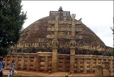 Sanchi Stupa, Madhya Pradesh.
