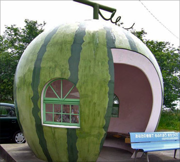 Watermelon-shaped bus stop, Japan.