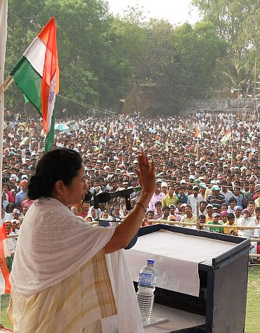 Mamata addressing a rally at Singur.