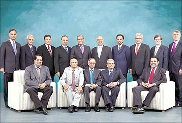 K V Kamath, Narayana Murthy with the core team.