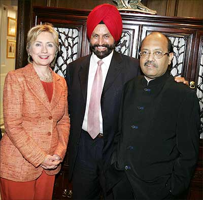 Amar Singh is also a 'power'ful businessman