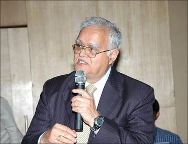 IIT Kharagpur alumnus and former director of Motorola S Venkatesam.
